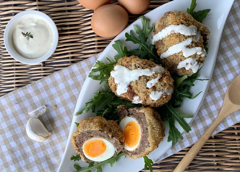 Rezept für Scotch Eggs, gefüllte Hackbällchen mit Ei