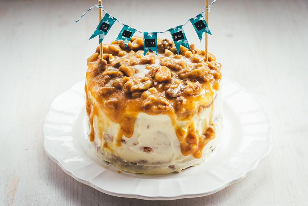 Rezept für Walnuss-Karamell-Drip Cake von Moeys Kitchen