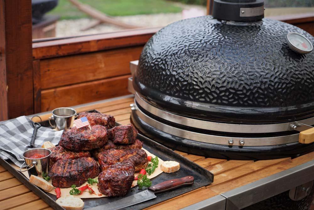 #TraveltUeSdAy: Marcos Tootsie Style Texas Pork Steaks
