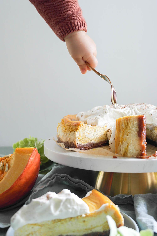 Rezept für Pumpki Cheesecake mit Zimtsahne